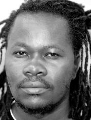 Mwilambwe Bondo , Vitshois b.1981
